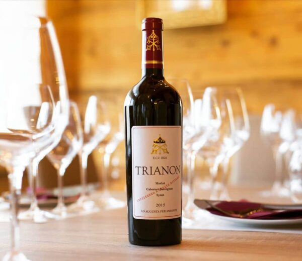Trianon 2016 with wine glasses on the table